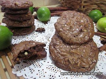 Печенье два шоколада с орешками