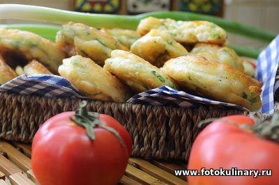 Оладушки с зелёным луком и яйцами