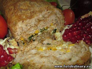 Рулет из куриного фарша ,зелени и яиц